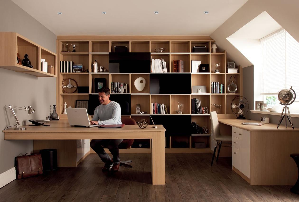 домашен офис с дифузер от етерим