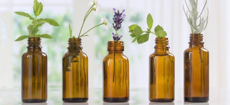 101 ползи и приложения на етерични масла