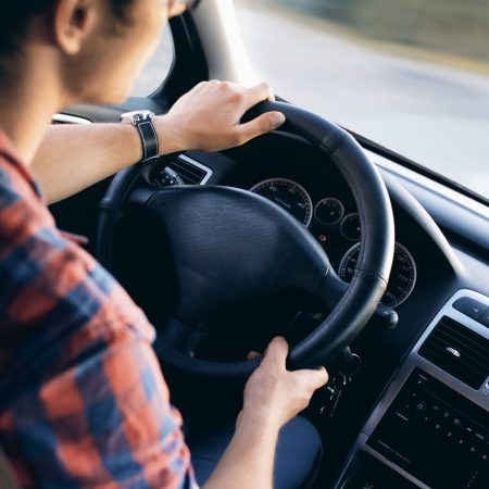 Етерични масла в движение: Как да използвате етерични масла в кола