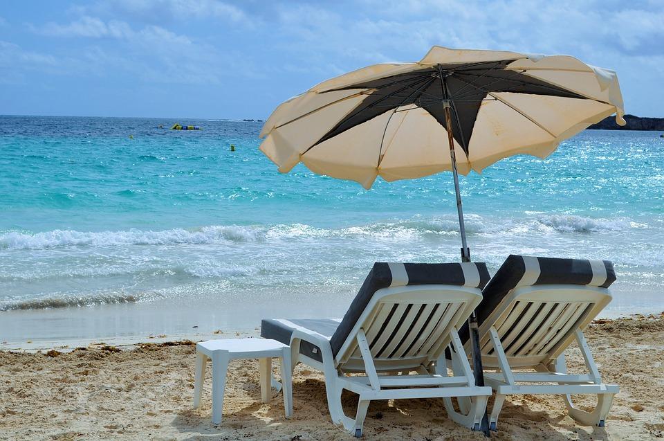 Най-добрият начин за предпазване от слънцето е сенчесто място и слънцезащитни кремове